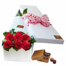 6 Red Roses in Box with Chocolate