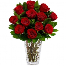 12 Red Rose in Vase
