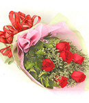 6 Red Roses in Bouquet