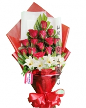 12 Red Roses w/ 4 Lilies in Bouquet