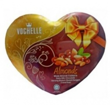 Vochelle Almonds Heart