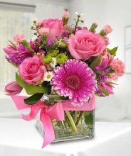 6 Pink Roses w/ Gerbera in a clear Vase