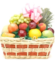 Send Christmas fruit basket w/ Delicious Fruits