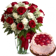 24 Red & White Roses Vase with Goldilocks Cake