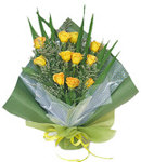 12 Yellow Roses in Bouquet