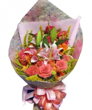 12 Peach Roses w/ 4 Lilies  in Bouquet