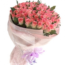 100 pink rose in a bouquet
