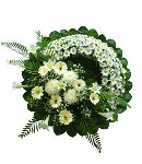Round white Daisy Wreath