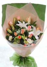 12 Peach Roses with 1 Stem Lilies in Bouquet