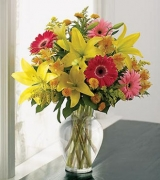 Yellow Lilies Mix with Gerbera in Vase