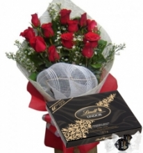 12 Red Roses with Lindt Lindor Extra Dark
