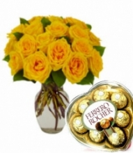 24 Yellow Roses Vase with Ferrero Rocher