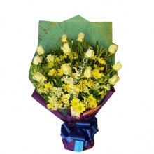1 Dozen Yellow Roses with Seasonal Flower