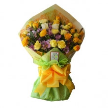 12 Yellow & Peach Roses in Bouquet