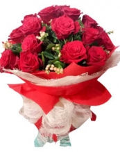 Beautiful 12 Pieces Red Rose Bouquet