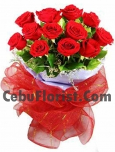 Valentine's Love 12 Piece Red Roses in Bouquet