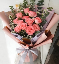 12 Pink Roses in a Bouquet