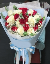 24 Mixed Roses in Bouquet