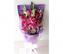 LILIES WITH 6 RED ROSES BOUQUET