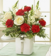 6pcs Carnations w/ White Roses in a Vase