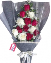 24  Red & white Roses in Bouquet